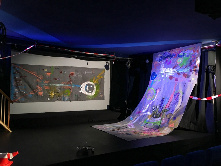 custommade-banners on stage 2-24x18